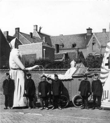Reus Batavia met Zonnekind, ca. 1938