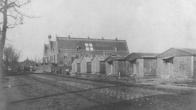 Sint-Rosaliarusthuis als lazaret met barakken