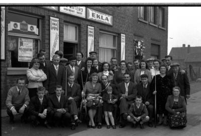 "Biljartkampioenviering café ""De Roterij"", Izegem, 1958"