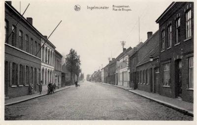 Zicht op de Bruggestraat, Ingelmunster, ca 1950