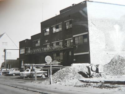 Melkerij De Toekomst, na afbraak woning Karel Matton, Moorsleden, 1960