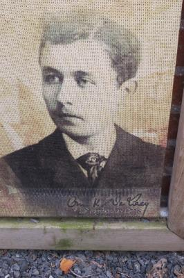 Dichter Omer Karel De Laey, Hooglede