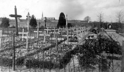Begraafplaats met Duitse graven, Izegem 1914/1915