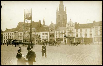 Zondagse sfeer op Grote Markt, Roeselare