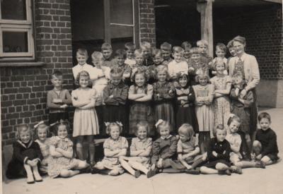 Klasfoto Onledemolen, circa 1944