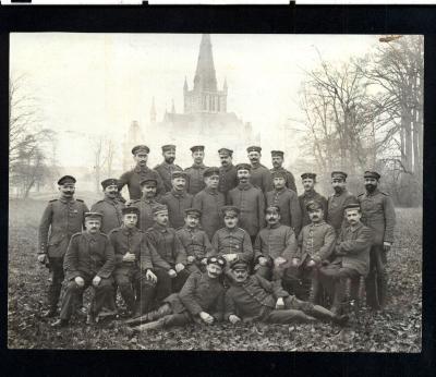 Groepsfoto met Duitse militairen, kasteelpark Dadizele