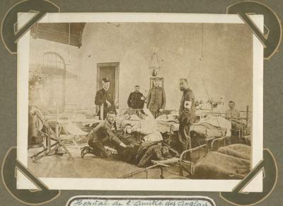 Zaal met gekwetsten in annex H.E. hospitaal ' l' Amitié des Anglais', Adinkerke 2 augustus 1915