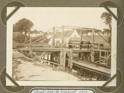 Brug over kanaal aan hoeve Klokhof, 2 oktober 1915