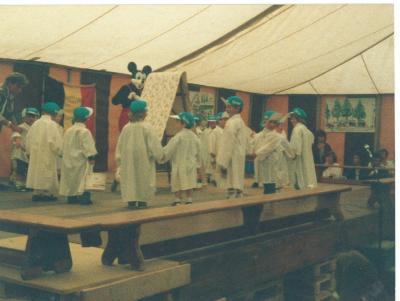 2e kleuter bij juf Maria(?), Lichtervelde, 1988-1989