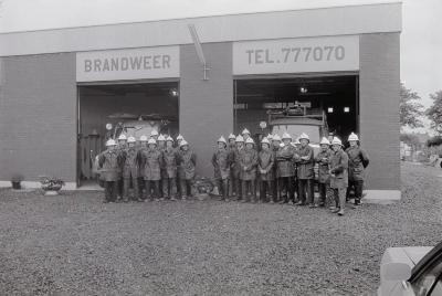 Groepsfoto brandweer Moorslede, juni 1975
