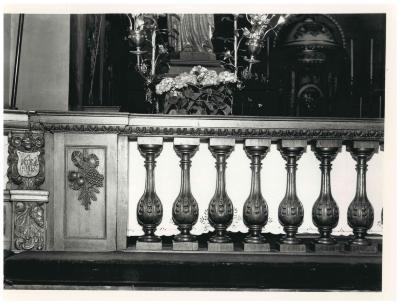 St. Amandskerk, Ingelmunster, biechtstoelen en communiebank