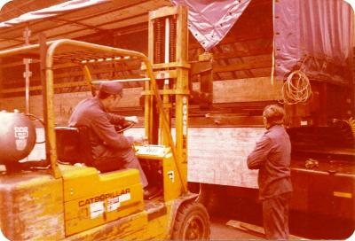 Laden vrachtwagen bij Sadef, Hooglede Gits