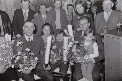 Huldiging vinkenkampioenen De Eendracht, Moorslede december 1971