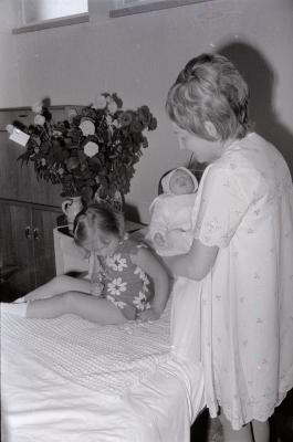 Fotoreportage doopsel Natasha Verschoore, Moorslede 26 mei 1971