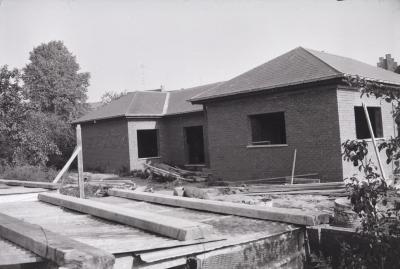 Bouwen van woning, Moorslede 1970