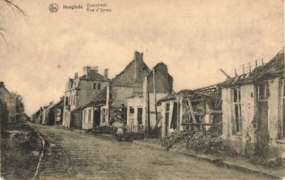 Postkaart met zicht op de Ieperstraat, Hooglede