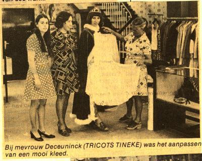 Batjesprinsessen 1974 in kledingszaak Tricots Tineke