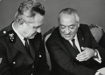 Bevelhebber Paul Veranneman en burgemeester Robert De Man, 1974?