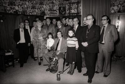Groepsfoto met Duivenkampioen Jongerenverbond, Moorslede december 1977