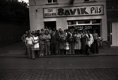 Biljartkampioen café 'Bossa-Nova': groepsfoto, Moorslede juni 1977