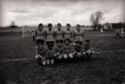 Groepsfoto voetbalspelers, Moorslede mei 1977