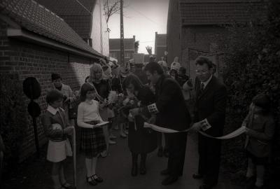 Zelfstandig Geluveld wordt begraven, Geluveld 1976