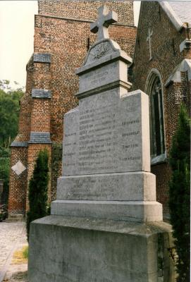 Monument voor de gesneuvelde soldaat in Oekene