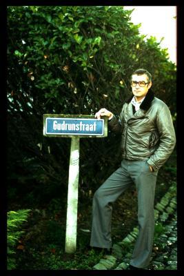 Foto met straatbord van de Gudrunstraat