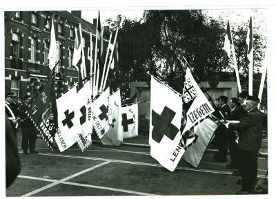 Vlaggendragers Rode Kruis in Izegem