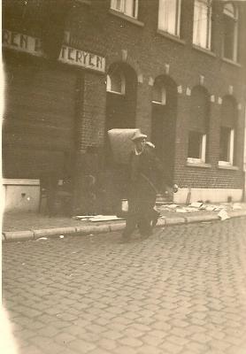 Plunderingen en vernielingen,  Izegem, 1944