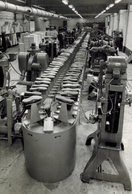 Gaston Handsaeme, eerste generatie Handsaeme Machinery, Izegem