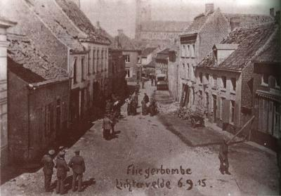 Grote schade na inslag van vliegtuigbom, Lichtervelde 6 september 1915