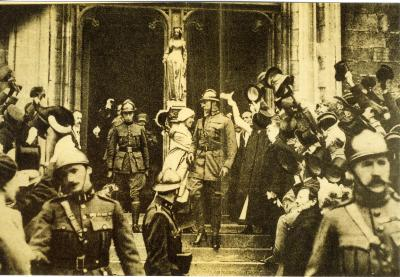 Begroeting van Koning en Koningin na de bevrijding in Brugge