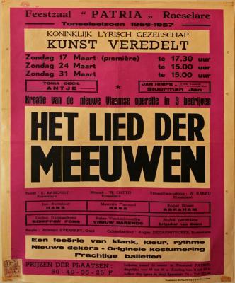 """Affiche van de Toneel- en Operetteopvoering """"Het Lied der Meeuwen"""" door het  Roeselaars Koninklijk Lyrisch Gezelschap """"Kunst Veredelt"""", Roeselare, 1957"""