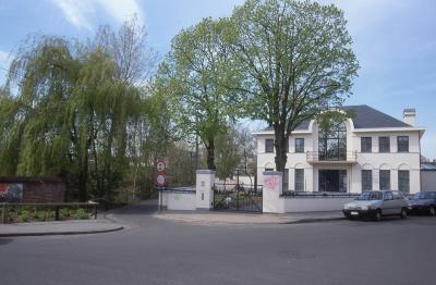 Woning en fietspad bij Kleine Bassin, 1997