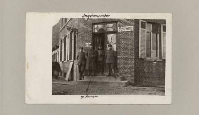 Ingelmunster, soldaten in deuropening