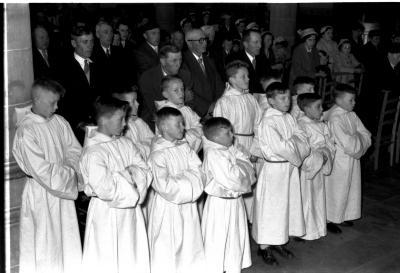 Herdenkingsviering ACV-ACW: ceremonie in de kerk, Kachtem 1957