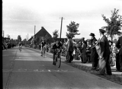 Wielerwedstrijd: Vandenbulcke wint, Rumbeke 1957