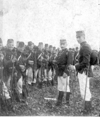 Militaire maneuvers met prins Boudewijn, Vierweg, 1890
