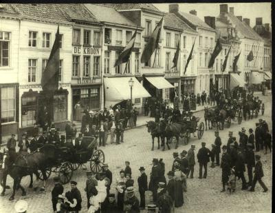 Bezoek Gouverneur van West-Vlaanderen aan Roeselare, rond 1900
