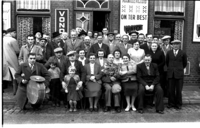 Kampioenviering café 'De Reisduif': 'Manillerclub Om ter Best', Emelgem1957