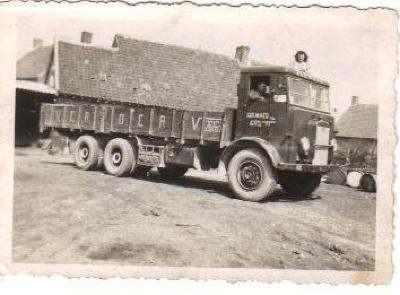 Vrachtwagen vervoer Maes, Gits