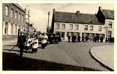Begrafenis, Gits, 1950
