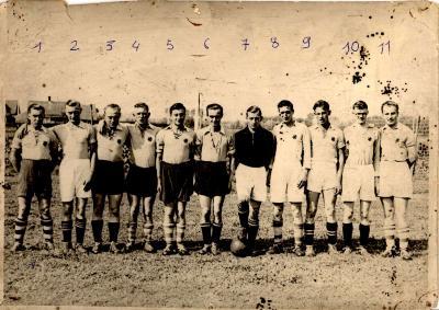 Groepsfoto voetbalclub VP Gits, Gits, 1939
