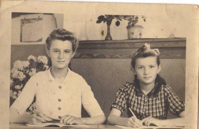 Rosa Vergote en Esther, Gits, 1943