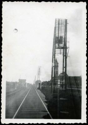 Zicht op de spoorlijnen Roeselare-Menen en Roeselare-Ieper