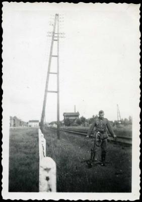 Zicht op de spoorlijn Roeselare-Ieper en Roeselare-Menen